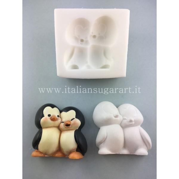cake design penguin mold